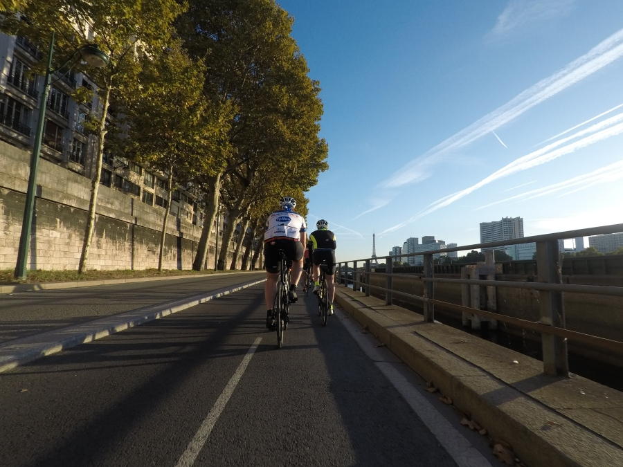 Cycling along the Seine, towards the Eiffel Tower